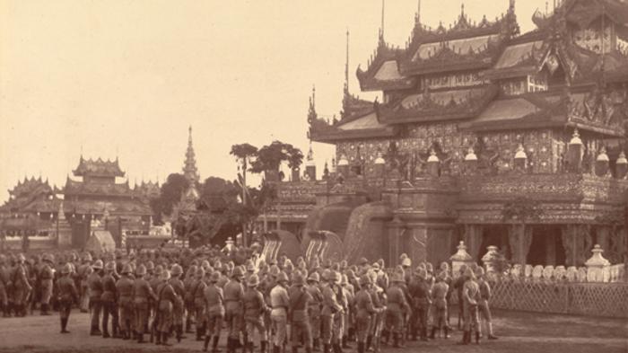 vipassana meditation myanmar 700x395 1