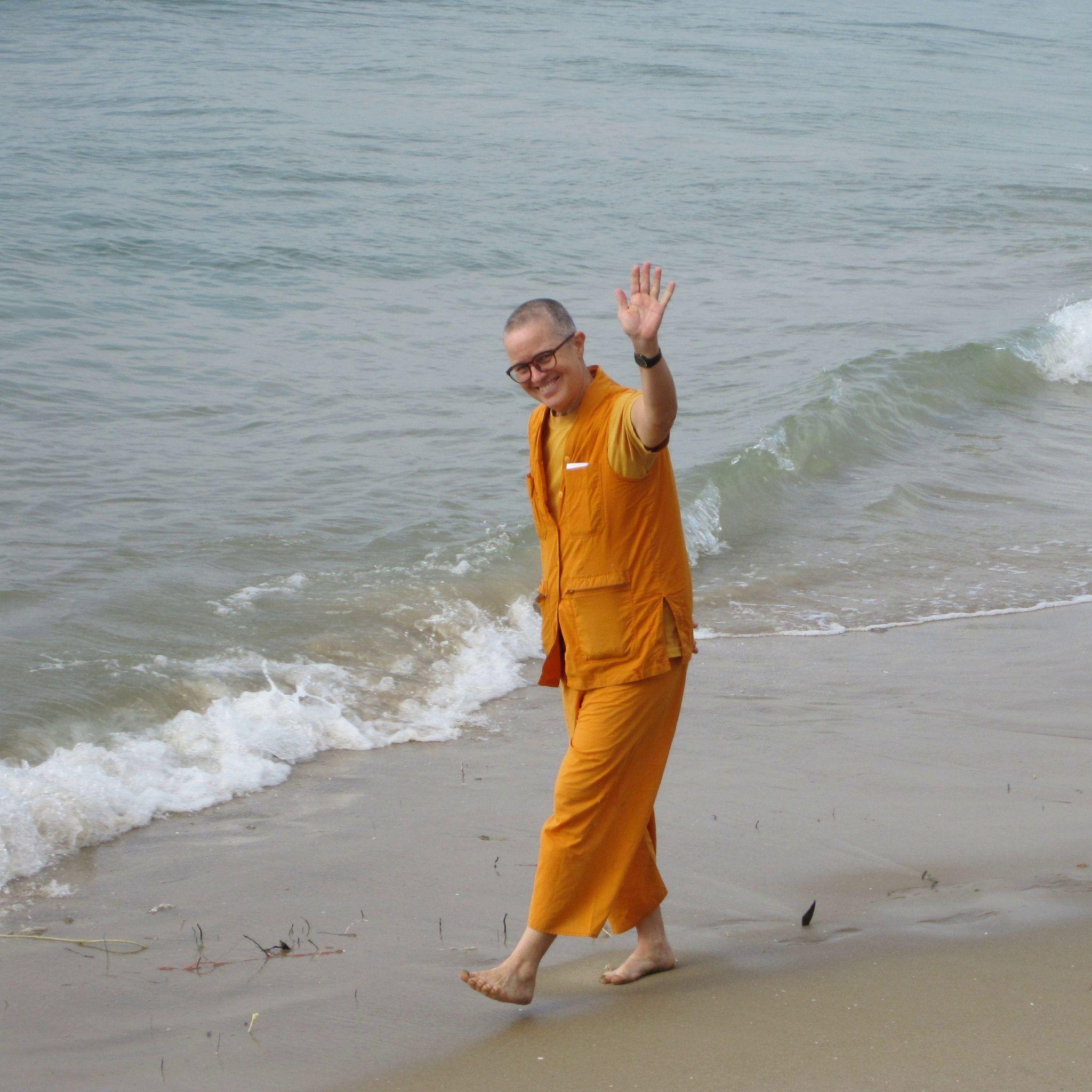 bhikkhuni dr.lee am meer buddhirefuge